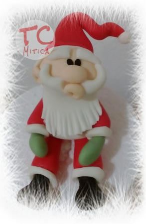 Simpatico Babbo Natale in pasta di zucchero
