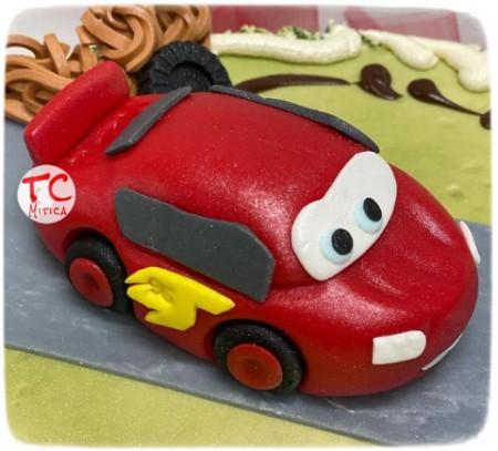 Saetta McQueen da Cars in pasta di zucchero