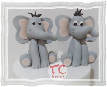 simpatici elefantini stile cartoon