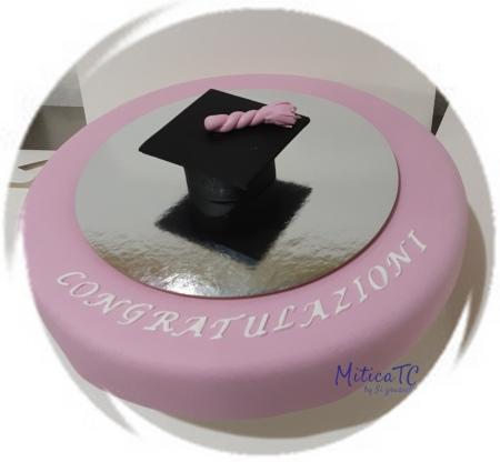 torat finta rosa e tocco per torta laurea