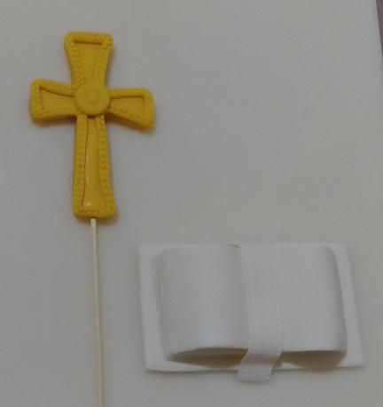 decorazioni 1. comunione con libro e croce
