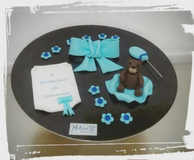 Kit di decorazioni azzurre in pasta di zucchero per torta battesimo bimbo