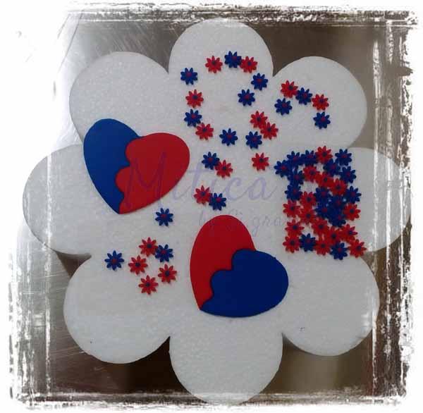 Set decori rosso blu composto da fiori e cuori